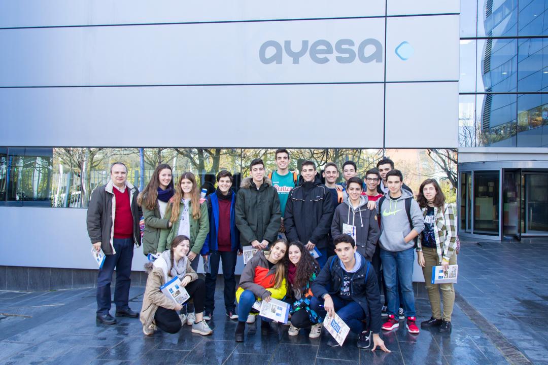 Visita de alumnos de bachillerato a la Fundación Ayesa
