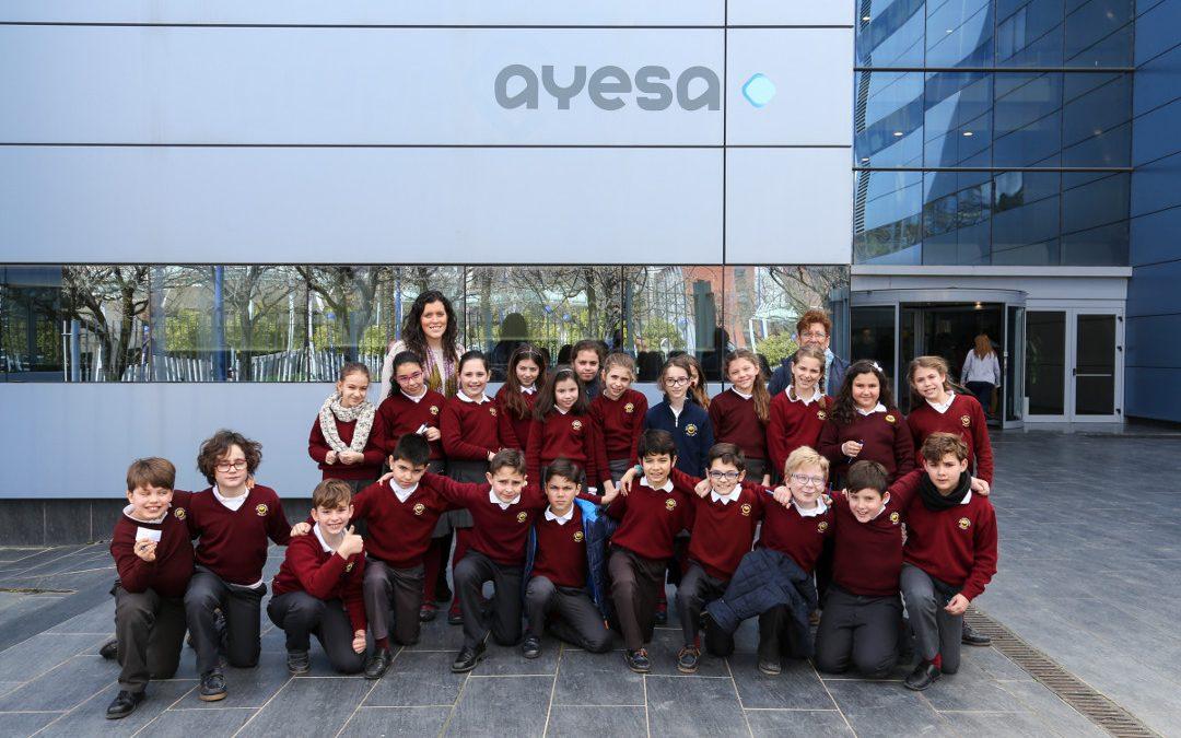 Nueva STEM Academy con estudiantes de 9 y 10 años